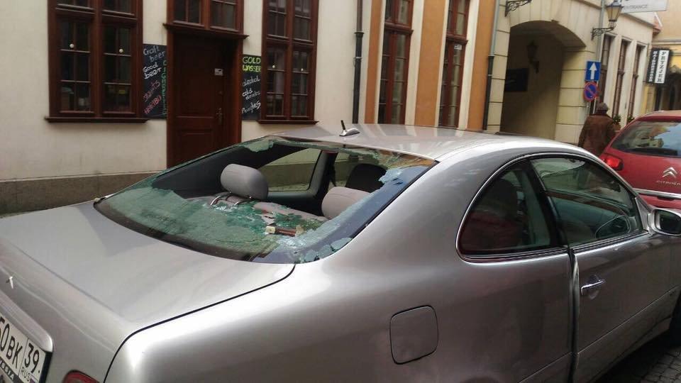 Руководитель Гданьска пригласил навстречу калининградцев, чью машину забросали камнями