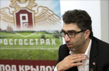 Данил Хачатуров отдал «Росгосстрах» бесплатно.